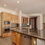 3517 E Menlo kitchen