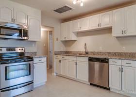 1020 S Siesta kitchen