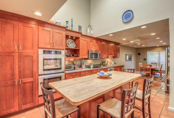2309 S Grandview Kitchen