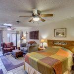 905 S Roosevelt St master bedroom
