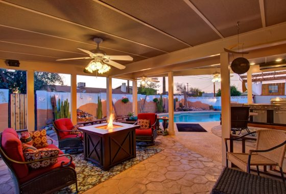 2426 S Newberry covered patio