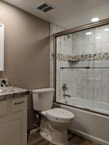 Sycamore Square bathroom