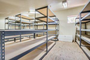 15 E Los Arboles storage space