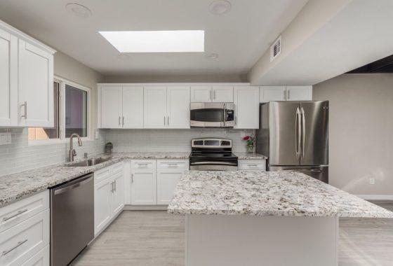 3211 S College kitchen