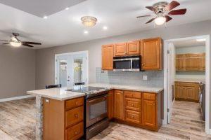 516 E Gemini kitchen